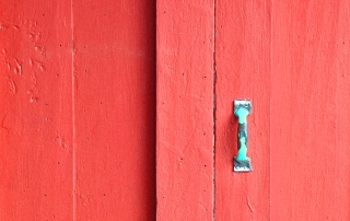 Door medium